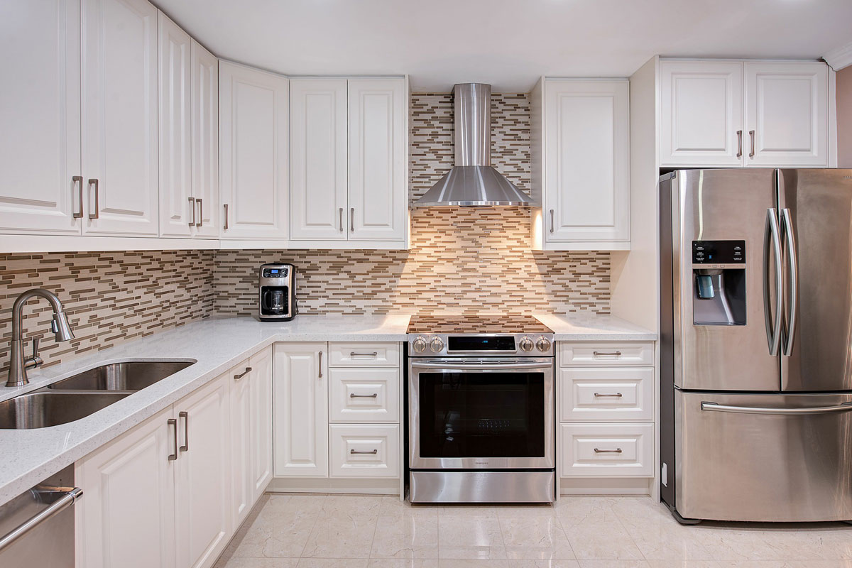 Mario 39 s home renovations home renovations additions for Kitchen design toronto